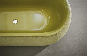 Neuheit ist die mit Stoff bezogene, gepolsterte Stahl/Email-Badewanne von Bette