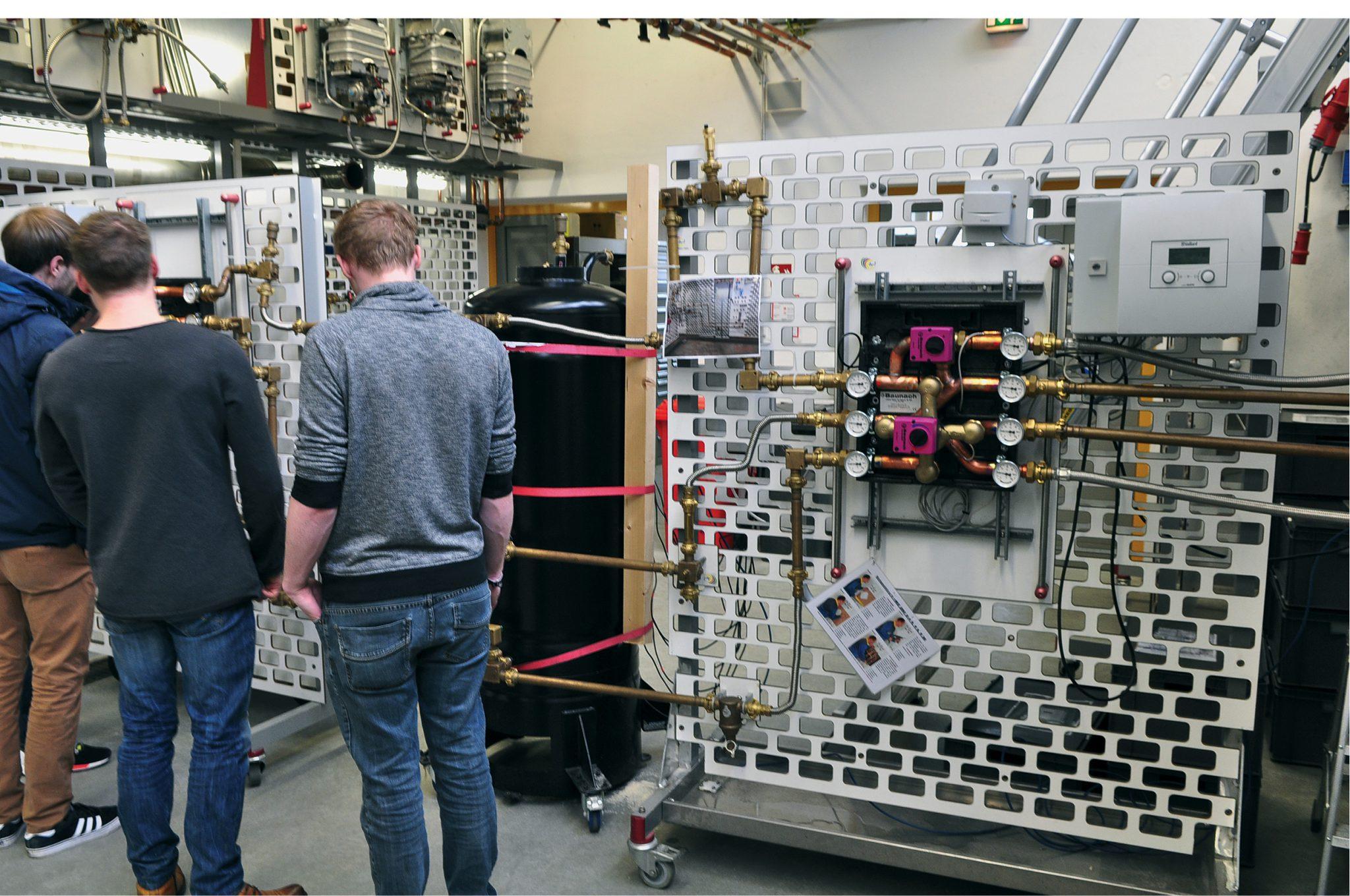 Versuchsaufbau Zweizonen-Be- und Entladung mit Mehrwegemischer, Handwerkskammer Arnsberg