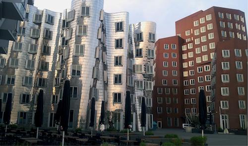 Die Gehry-Bauten im Düsseldorfer Medienhafen