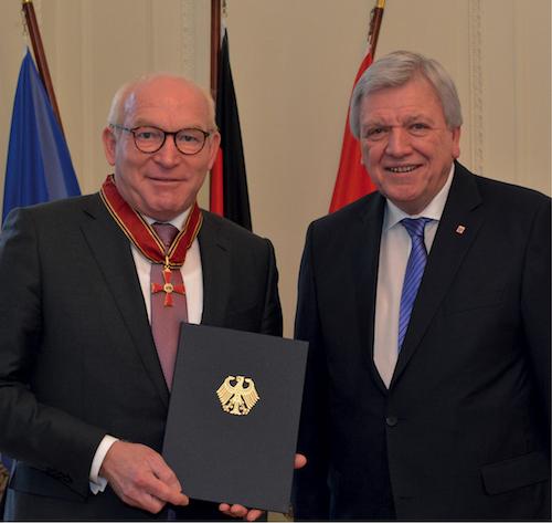 Professor Dr. Martin Viessmann und Ministerpräsident Volker Bouffier