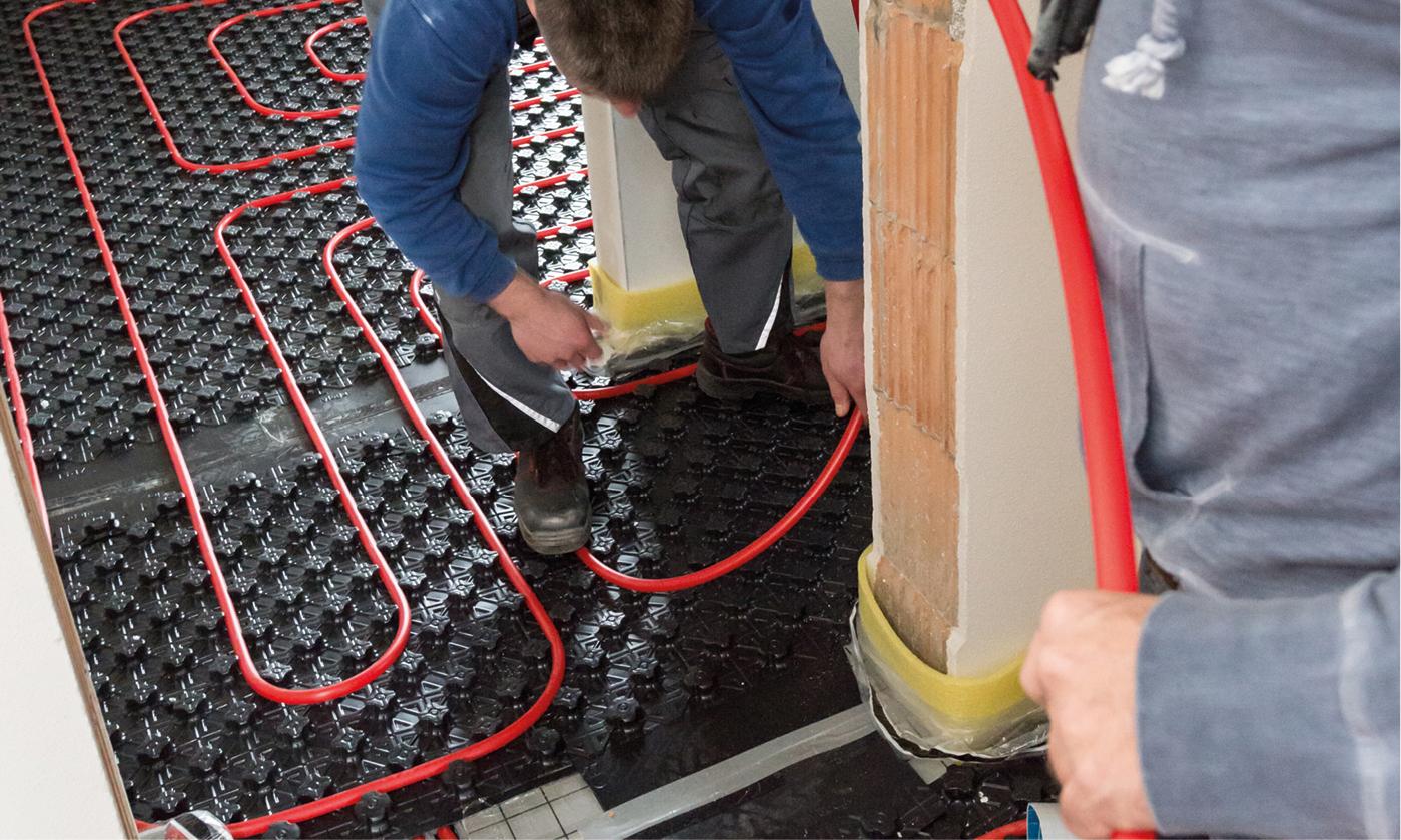 separat regelbare Heizkreis im Transferraum installiert und ebenfalls am Heizkreisverteiler angebunden.