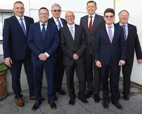 Der neue Vorstand des ZVSHK (v.l.n.r.): Frank Senger, Jens Wagner, Vize-Präsident Norbert Borgmann, Andreas Schuh, Präsident Michael Hilpert, Hauptgeschäftsführer Helmut Bramann und Joachim Butz.