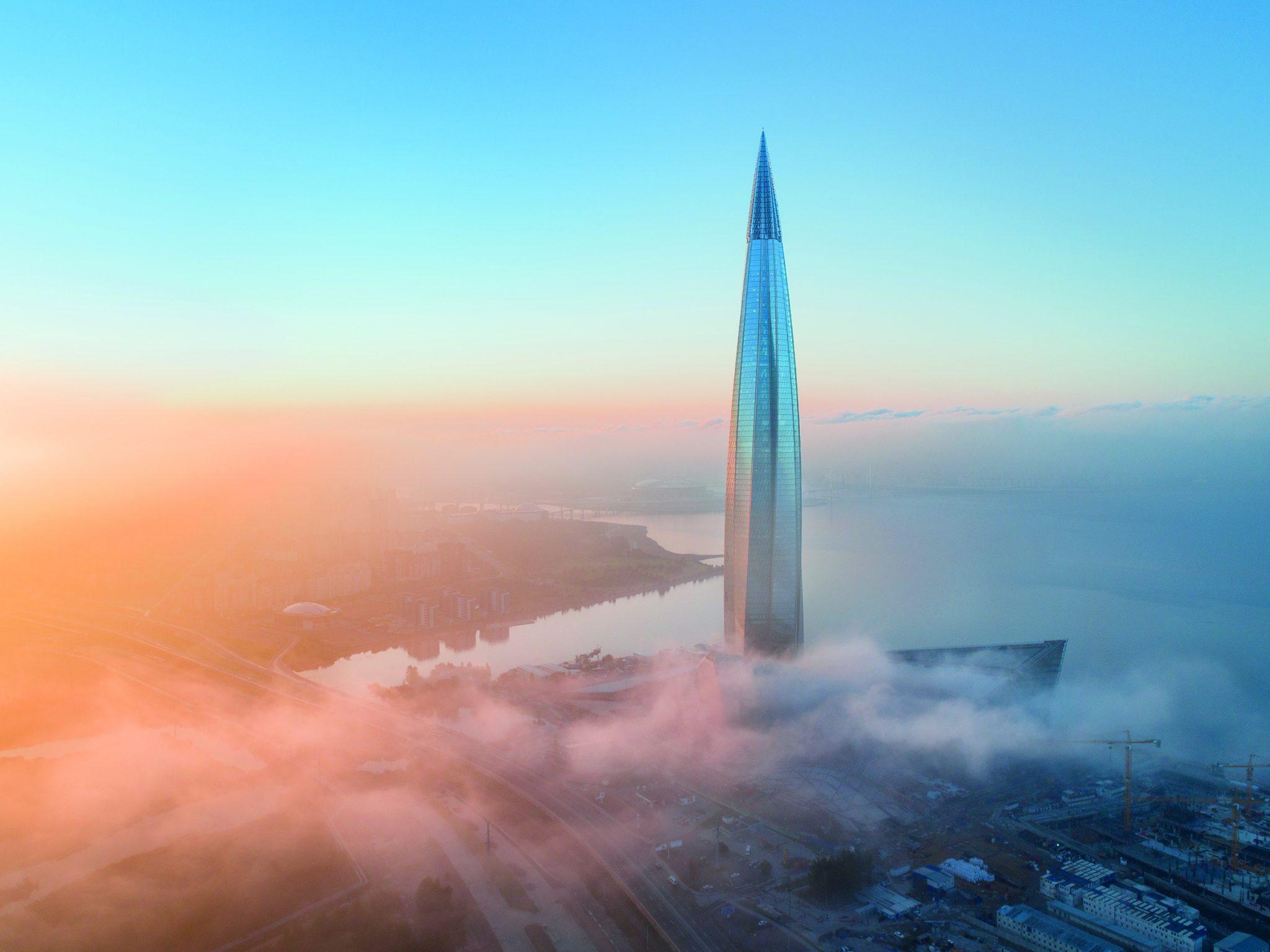 Die intelligente Fassade des Turms besteht aus 16.500 einzelnen Glasscheiben - WILO Pumpen